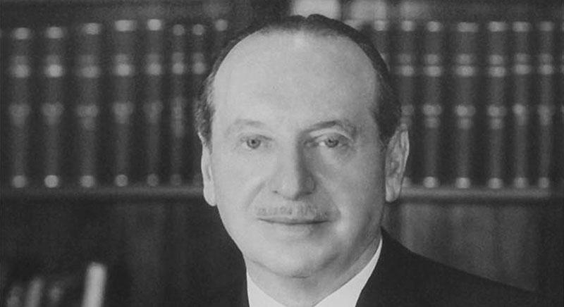 Dr. Maxwell K. Bochner